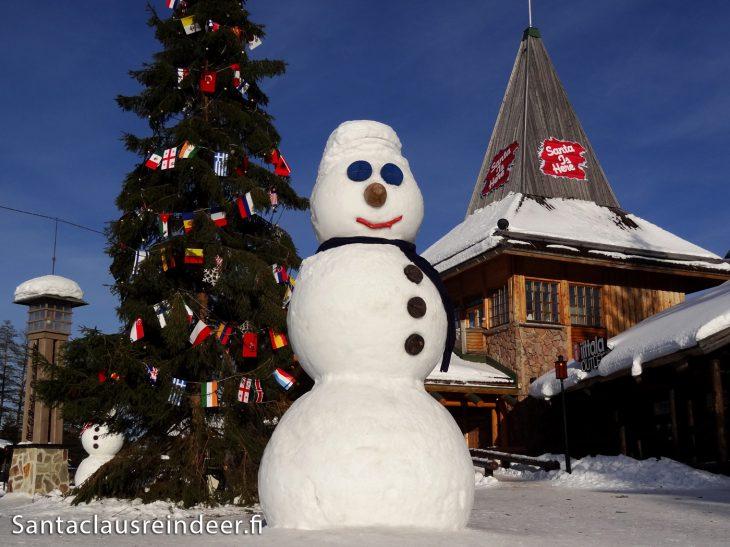 Rovaniemi Lapponia Babbo Natale.Foto Pupazzo Di Neve Nel Villaggio Di Babbo Natale Di
