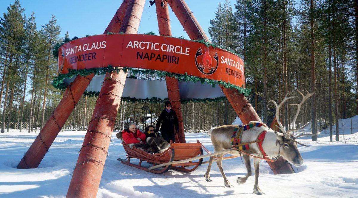 Tu foto cruzando el Círculo Polar Ártico en Rovaniemi Laponia ...